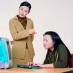办公女性0059,办公女性,人物,批评