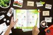 创意设计专辑030059,创意设计专辑03,创意设计,翻书 手捏书页 散乱桌面